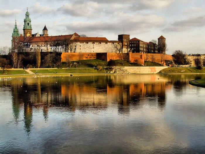 Hermosa vista del Castillo de Wawel