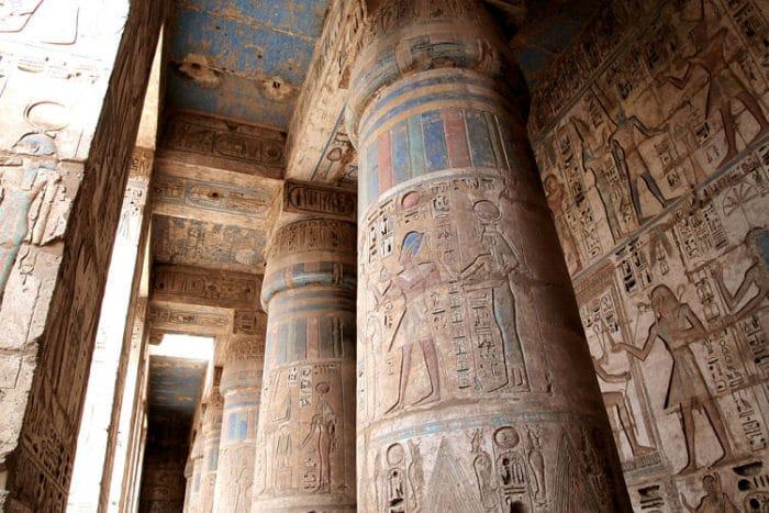 Detalle de la decoración del interior del Templo de Medinet Habu