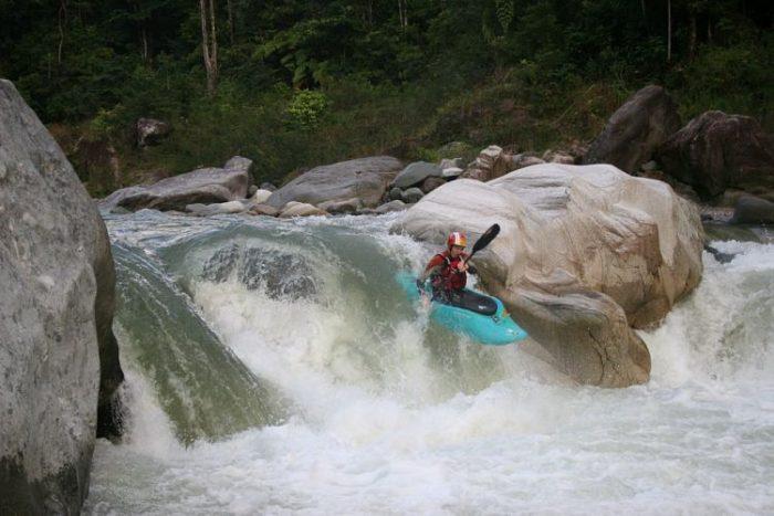 Río Cangrejal es un lugar excelente para hacer deportes extremos