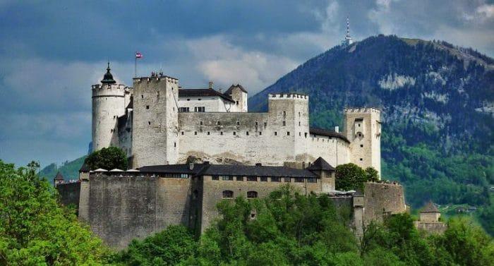 Vista del Castillo medieval de Hohensalzburg