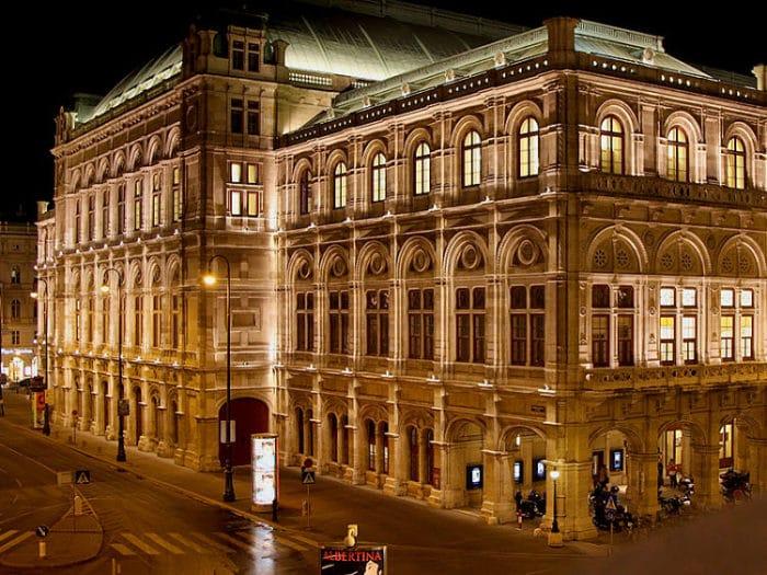 Frente de la Ópera Estatal de Viena