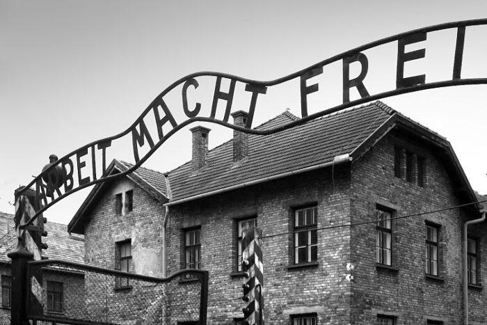 Entrada a Auschwitz-Birkenau