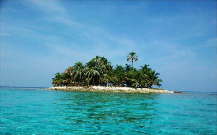 Hermosa vista de uno de los cayos pequeños de Cayos Cochinos