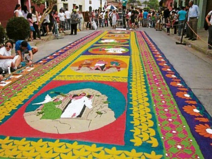 Impresionante alfombra de Comayagua en Honduras