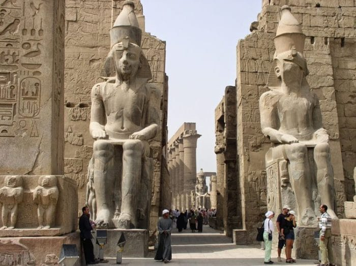 Magnifica entrada al Templo de Luxor