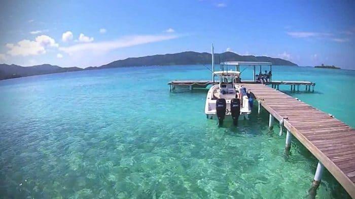Las hermosas aguas de la Isla de Guanaja