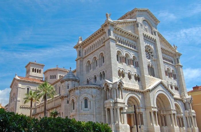 La imponente Catedral de San Nicolás de Mónaco