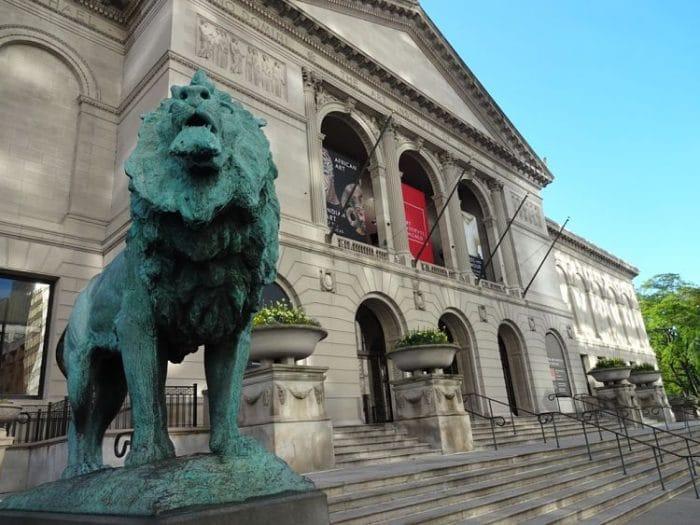 Fachada del edificio histórico del Instituto de Arte de Chicago