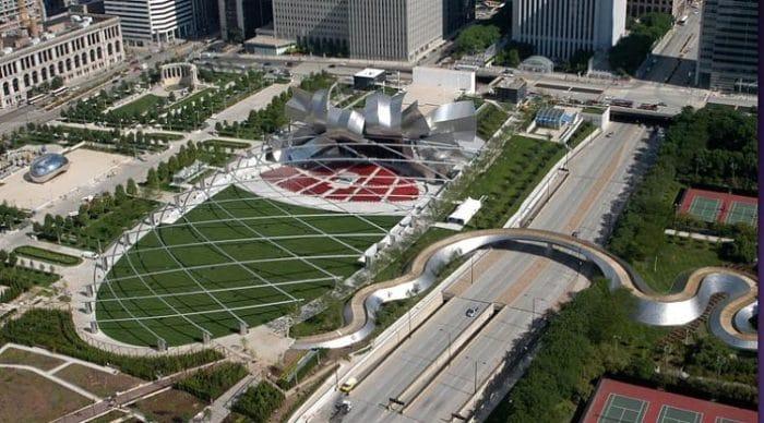 Vista aérea de parte del complejo del Parque Millenium y pabellón de conciertos al aire libre