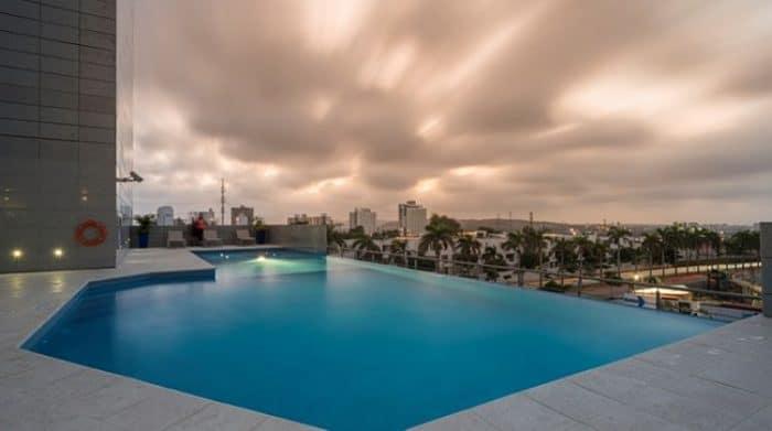 Deliciosa piscina del Hilton Garden Inn Barranquilla