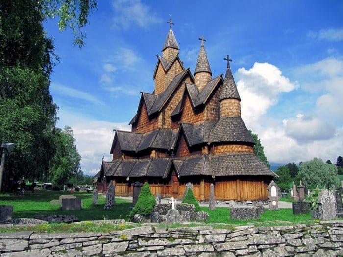 La Iglesia de Madera de Heddal, la más grande de las iglesias de madera de Noruega