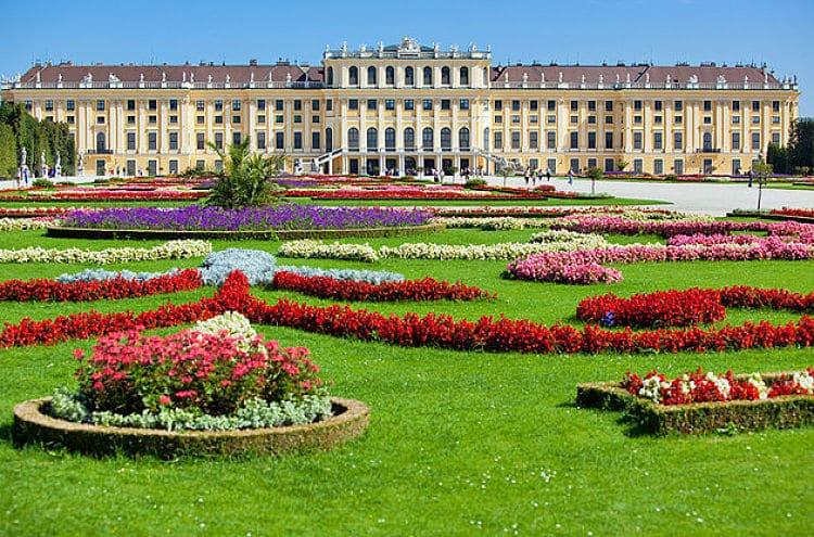 Los 10 palacios m s hermosos del mundo turismo y viajes for Jardines bellos fotos