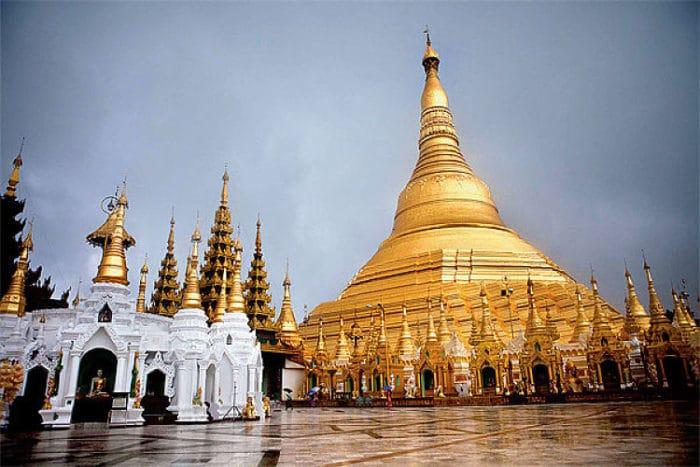 Hermosa arquitectura de la Pagoda Shwedagon