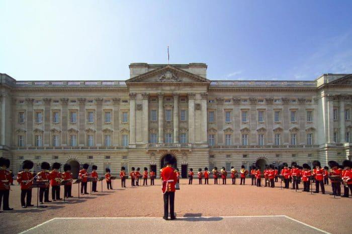 Ceremonia de Cambio de Guardia en el Palacio de Buckingham