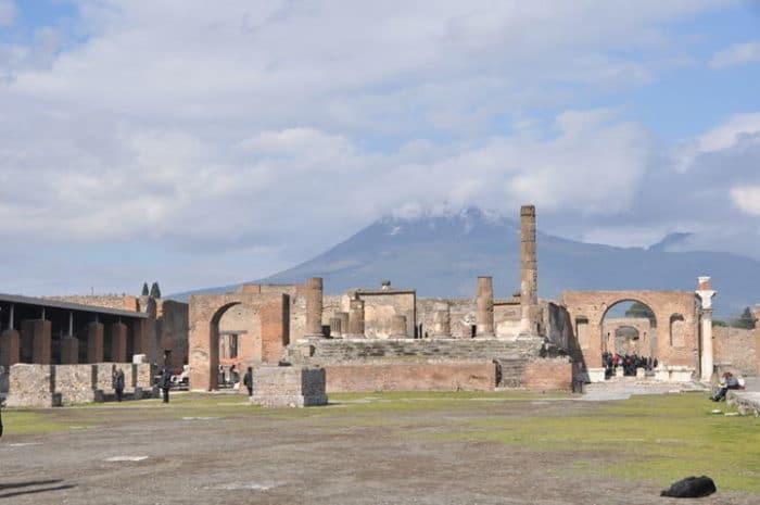Ruinas del Foro de Pompeya
