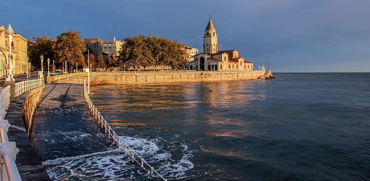 Una de las costas de la hermosa ciudad de Gijón