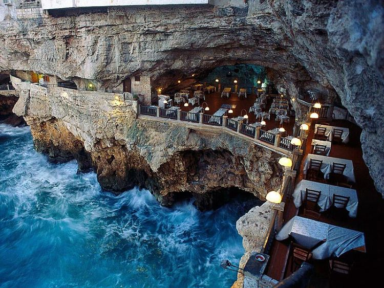Vista del Grotto Restaurante
