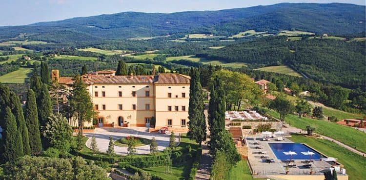 Vista del Castello di Casole