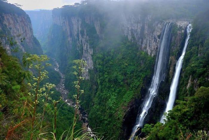 Una de las caídas de agua del Parque Nacional Aparados da Serra