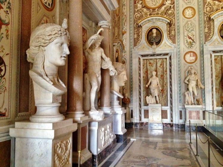Parte de las exposiciones en la Galleria Borghese