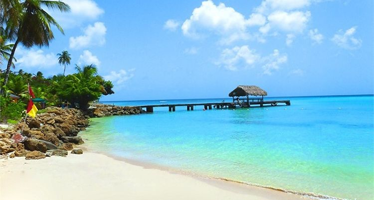 La hermosa playa de Pigeon Point en Tobago