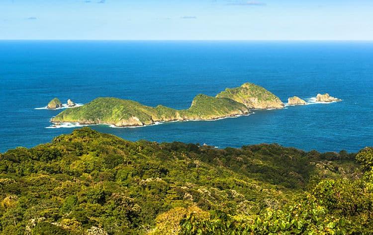 Vista de la Isla Pequeña Tobago