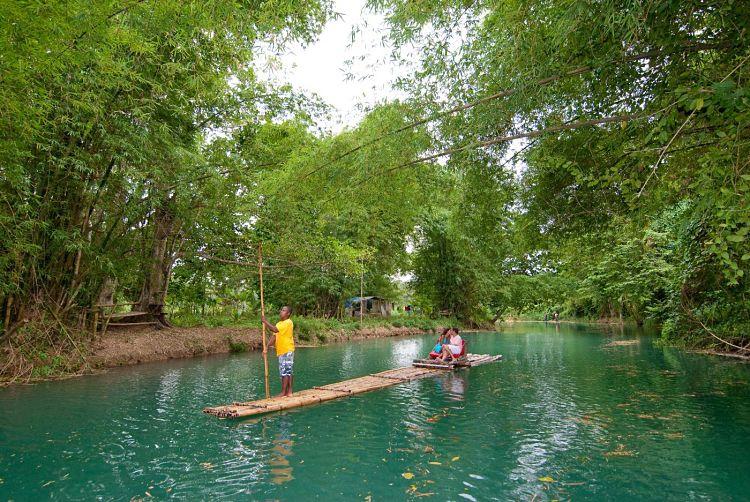Río Martha Rae