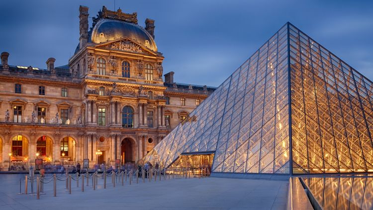 Patio del Louvre