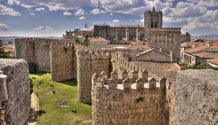 10 pueblos de madrid con encanto que debes visitar for Jardines que visitar en madrid
