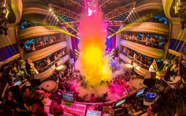 Discotecas de madrid las 11 mejores de la vida nocturna for Discoteca plaza de los cubos madrid