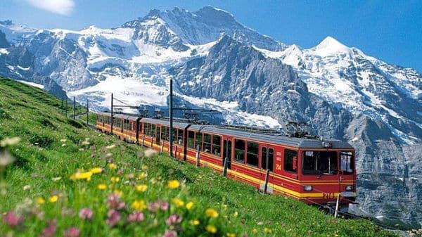 Que Ver En Suiza 10 Sitios Inolvidables Por Descubrir Entre Montañas Lagos Y Ciudades