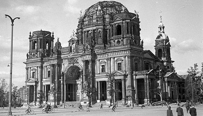 Daños causados a la catedral de berlin