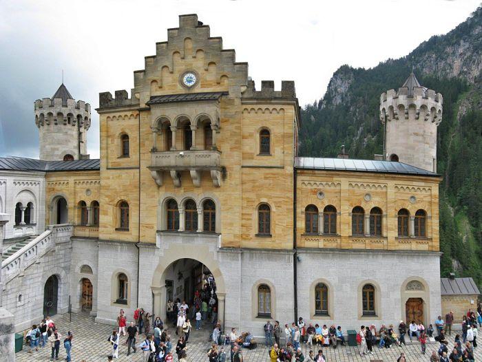 Como luce el frente del Castillo de Neuschwanstein