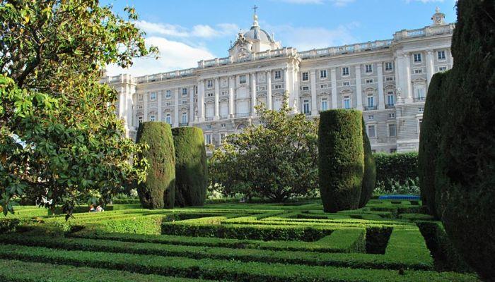 Parques de madrid 14 opciones para relajarte en la ciudad for Jardines de sabatini conciertos 2017