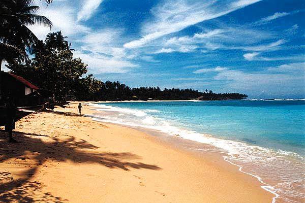 Que Ver En Sri Lanka mar azul brillante