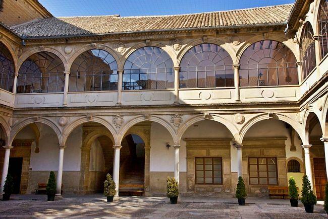 la universidad histrica de baeza fue fundada en se convirti en una fuente de ideas que entraron en conflicto con las
