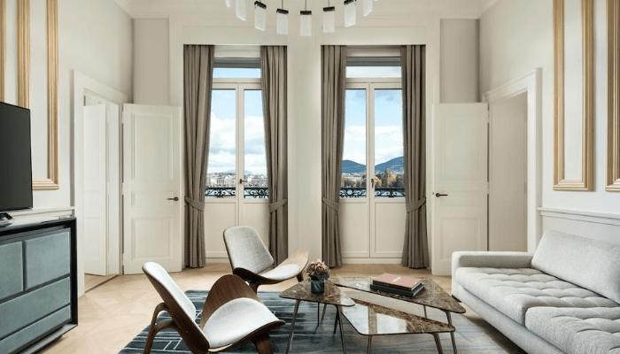 Sala de estar de la suite Ritz-Carlton
