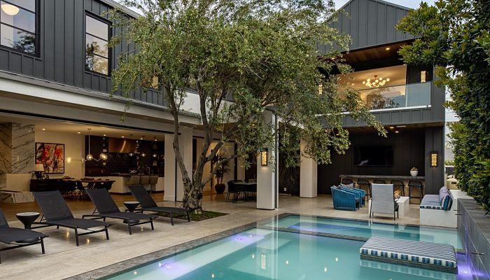 Coastal Modern Luxury