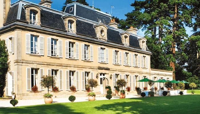 Chateau La Chenevière hotel